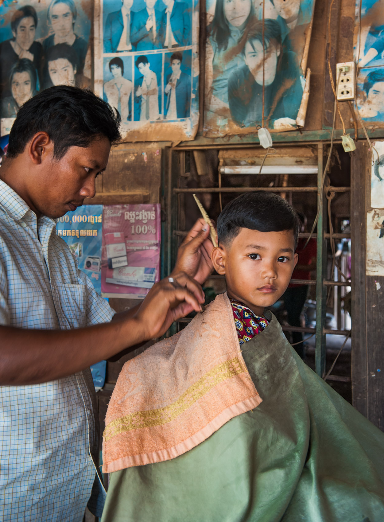 portrait-572 Cambodian boy gets haircut
